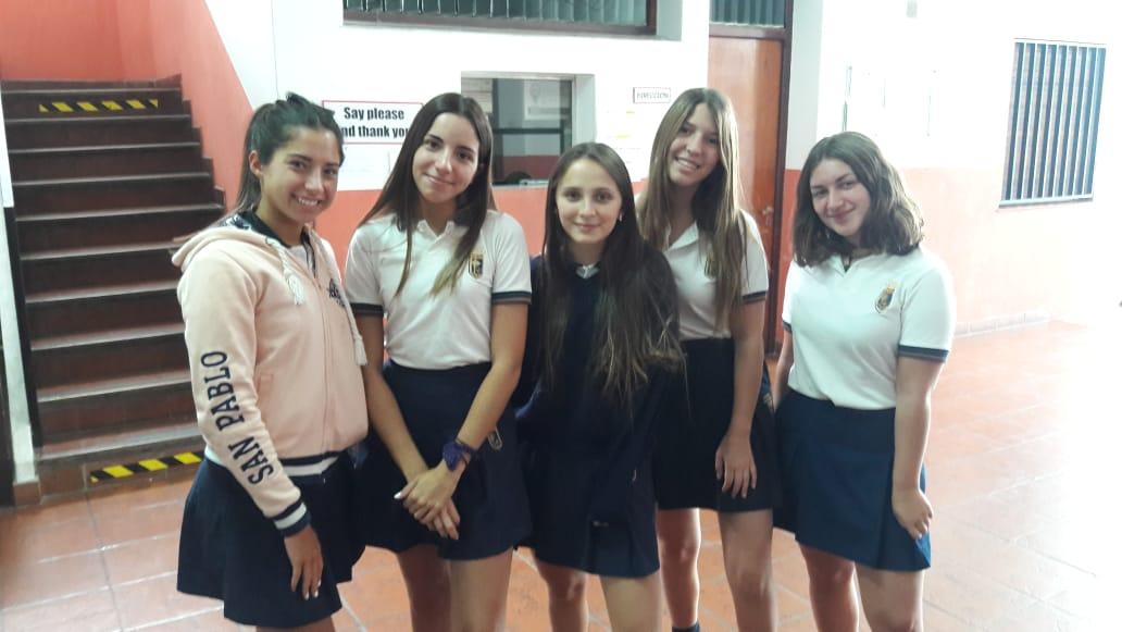 18 Alumnas de 5° año de Nivel Secundario que rindieron CAE (Examen Internacional de la Universidad de Cambridge)